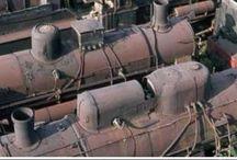 Locomotori e vagoni in disuso