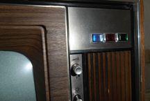 Philips K6 kleurentelevisie 1965-1968 / de eerste commerciële kleuren tv van Philips, geheel buizentechniek.