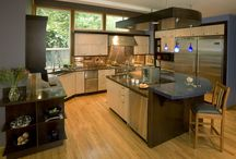 Kitchens / by Ceren Arik-Begen