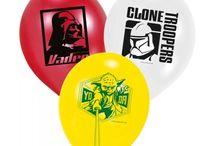Star Wars Feestartikelen / Doe hier ideeën op voor een Star Wars feest. Van tafelgerei tot officiële Star Wars kostuums.