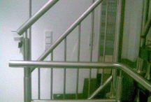 balustrady2000 / Oferujemy schody, poręcze, balustrady. Ta propozycja skierowana do szczególnie wymagających Klientów. To także oferta dla zwolenników stali nierdzewnej łączonej z drewnem oraz szkłem, która bardzo dobrze prezentuje się zarówno we wnętrzach nowoczesnych, jak i tradycyjnych.  Tel. 887845870..                                                        Adres e-mail.balustrady2000@interia.eu Realizujemy zamówienia z Całej Polski!