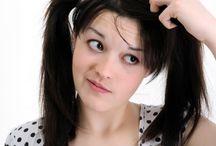ELIMINAR CASPAS com DICAS CASEIRAS PODEROSAS / Como eliminar a caspa com remédios caseiros.  A caspa afeta milhões de pessoas em todo o mundo. Você sabia que até a timidez excessiva pode causar caspa?   Confira os melhores produtos naturais e industrializados para acabar com a caspa e controlar a oleosidade no couro cabeludo de forma rápida ...  Como acabar com a caspa. Aprenda aqui como acabar com o cabelo com caspa com dicas úteis e funcionais.