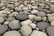 Nature's treasures & art: Pebbles! / I've loved pebbles since I was a very young child. I've always felt calm and that peaceful meditative mind when I look at or hold pebbles, or any kind of rock for that matter. / by Áhugamálin Mín
