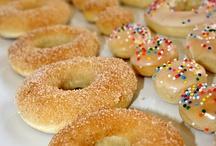 Delicious Breakfast & Brunch / by Kris Neyland