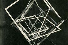 Arte público. Interacción entre escultura y arquitectura.