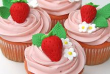 Cupcakes / by Jennifer Perez ~ Petit Delights