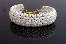 náramky a náhrdelníky / šperky