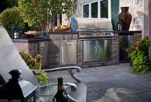 Amazing Outdoor Kitchens & Pavers / Everything you need to know about a pavers outdoor kitchen. How to, party ideas, important things to consider and more!