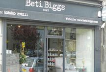 The BEST independent shops to visit in the UK / Each of these shops are highly recommended and embody the spirit of creativity, independence and individual style. They are most definitely worth a visit and will without a doubt inspire even the most seasoned shopper. So call in and and say hello - you won't be disappointed.
