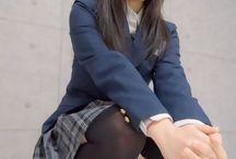 女子校生の体のしくみ 解剖学的と制服の構造