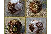 objets perlés tissés