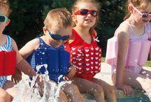 Boutique del baño y de la piscina Acuavi-Desjoyaux / Convierte la piscina en una zona de descanso y juegos. Hinchables, flotadores, juegos acuáticos, toallas, bañadores,...
