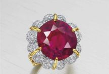 Jewelry History and News / Famous Jewelry Pieces and Market News