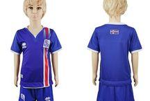 Billige fodboldtrøjer Iceland til børn / Køb billige Iceland fodboldtrøjer til børn online med oplag. Vi leverer nye Iceland billige fodboldsæt børn med lav pris og hurtig levering. Køb nu!
