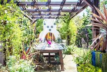 Outdoor Dining / by Bethany Nauert