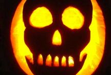 Halloween Carving & Crafts / Pumpking Carving Ideas and Halloween Crafts