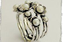 rings / by Julieta Chacon
