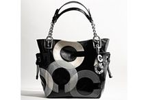Love Me Some Purses! / Let me show you how to get CASH BACK on all your purses!  Sign up for free here www.RocktheCashBacks.com