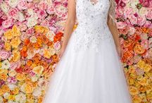 Debutante Gowns / Ferrari Formalwear Bridal offer an extensive collection of Debutante dresses for your Presentation Ball / Debutante Ball. We suggest that you begin shopping for your gown around six months prior to your very special event.
