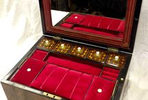 Jewellery boxes , writing boxes , music boxes / Ladies jewellery box