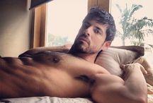 M3n - Men in bed