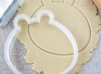 """Lubimova """"Cartoons and Fairy Tales"""" / Lubimova cookie cutters"""
