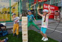 Baumax promo akcia - júl 2014 / Baumax promo akcia, prevádzak Bajkalská ulica, Bratislava.   Výťaz súťaže o najvyššiu Záhradnú vežu postavil 43 poschodí, nový rekord :)