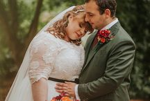 Autumnal Literary inspired Wedding with Harry Potter and Brothers Grimm Fairytale details / Autumnal wedding theme using artificial leaves, flowers, pumpkins & garlands/wreaths. Nods to Harry Potter & Brothers Grimm. Link - http://www.mrspandp.com/real-wedding-features/an-autumnal-literary-inspired-wedding-with-harry-potter-and-brothers-grimm-fairytale-details/ Pics - Maddie Farris Photography - https://www.maddiefarrisphotography.co.uk/