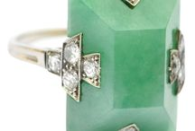 Vintage & Antique Jewels / Jewelry that's lived a little.