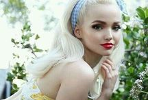 Dove cameron / so beautiful , so talented !