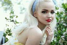 Dove cameron / so beautiful , so talented !
