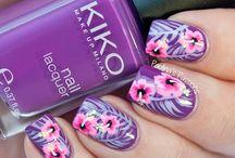Fingernail Art / Designer Nail Art