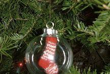 Crafts: Christmas glass ornaments / by Cheryl Welke