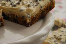 Desserts / by Lynn Hubert Beach