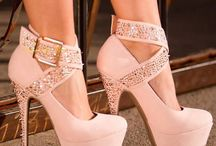 Fabulous shoes / Amazing heels