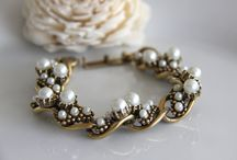 Gift Guide SPST Bracelets and Brooches / Handmade and vintage jewelry finds from SPSTeam!