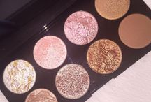 Blushes, Bronzers And Highlighters