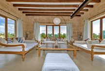 Fincas in Mallorca / Our lovely country houses are the nicest place to relax and find peace surrounded of nature.