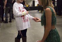 Taylor Swift / Best singer ever