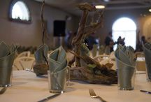 Driftwood Wedding Centerpieces / Centerpieces made with driftwood and wild flowers.
