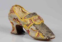 Schuhe historisch