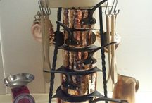Enhancing your Finest Copper Pans and Pots / Enhancing your Finest Copper Pans and Pots with France Lorraine Collection Shelf / Display