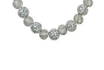 statement jewelry / by Odilia Richardson