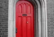 Rode bouwmaterialen / Gebruikte bouwmaterialen in rood