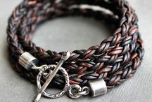 Bracelet / Leather knlitted