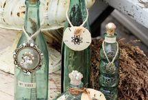 garrafas, velas e decoraçao