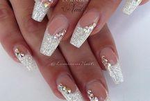 nails g