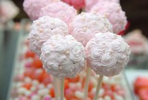 Cake pops / by Colleen✨✨