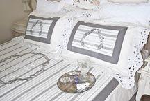 Senne marzenia / #spokojnysen na miękkich poduszkach i pod ciepłymi pledami. #pieknesypialni #francuskapościel #eleganckapościel