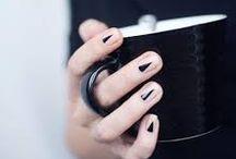 mani-piedi-tatuati / unghie